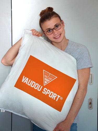 Laura Marino dort sur matelas et literie Vaudou Sport