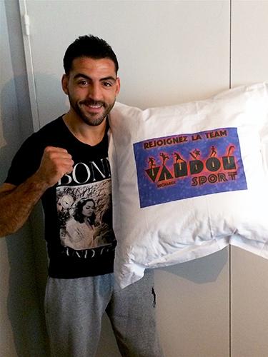 Karim Achour dort sur matelas et literie Vaudou Sport